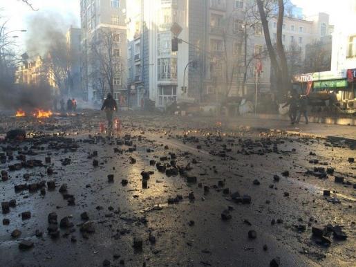 МВД: Неизвестные в центре Киева  открыли огонь по Внутренним войскам