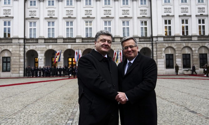 Poland ready to help Ukraine by supplying it with arms, military hardware - President Komorowski