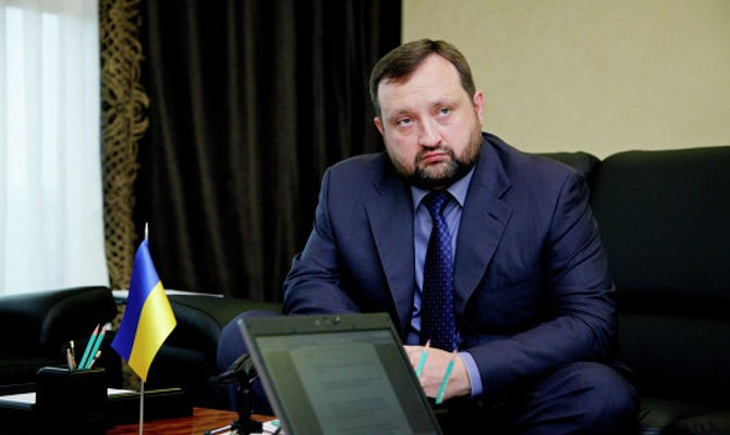 Arbuzov: The decision not to devalue the hryvnia was made consciously