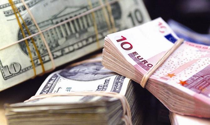 Подорожание доллара на черном рынке превращается в тенденцию