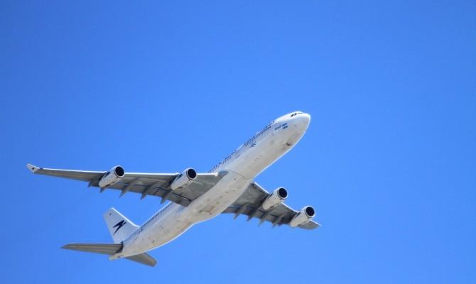Россия введет санкции против двух украинских авиакомпаний