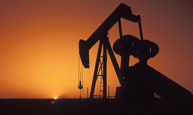 Цена нефти Brent опустилась ниже 33 долларов за баррель