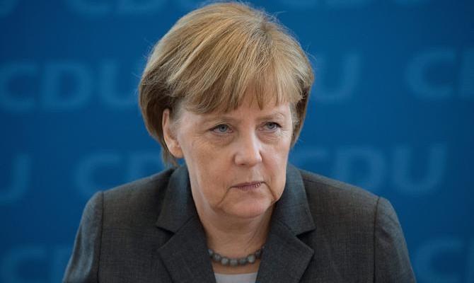Премьер Турции помог Меркель связать авиаудары ВКСРФ сбеженцами