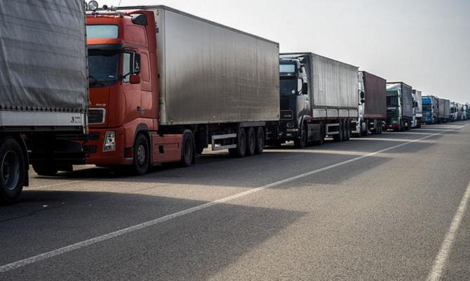 Транзит украинских грузовиков по России в 5,5 раз больше чем транзит российских фур по Украине