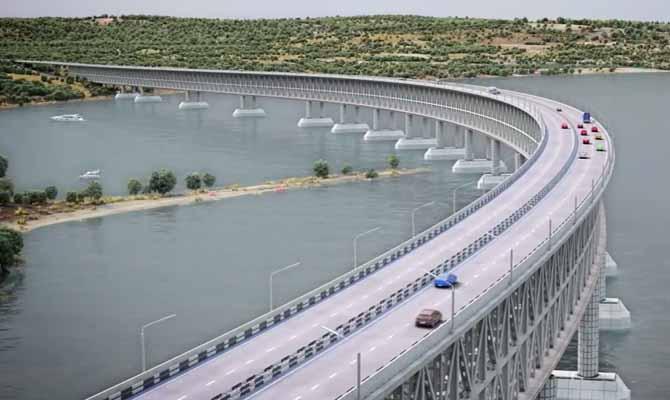 Очередной сухогруз чуть неснес строящийся Керченский мост