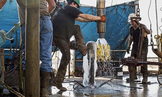 EIA ухудшило оценку добычи нефти в США