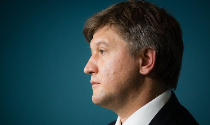 Минфин Данилюк признал, что является директором 2-х компаний