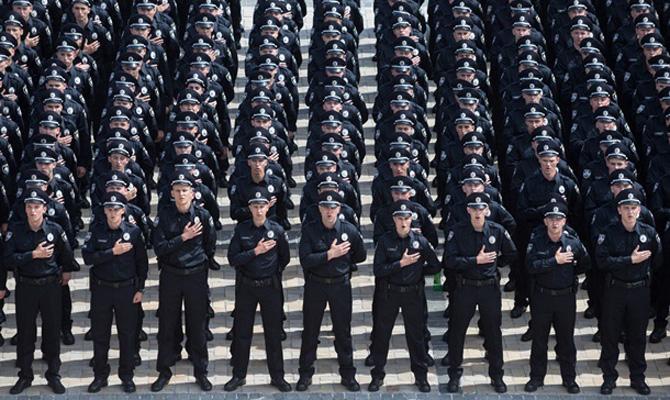 Затри месяца наполицейских завели практически 400 уголовных дел— Деканоидзе