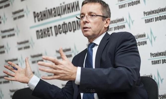 Миклош советует поднять пенсионный возраст вУкраине