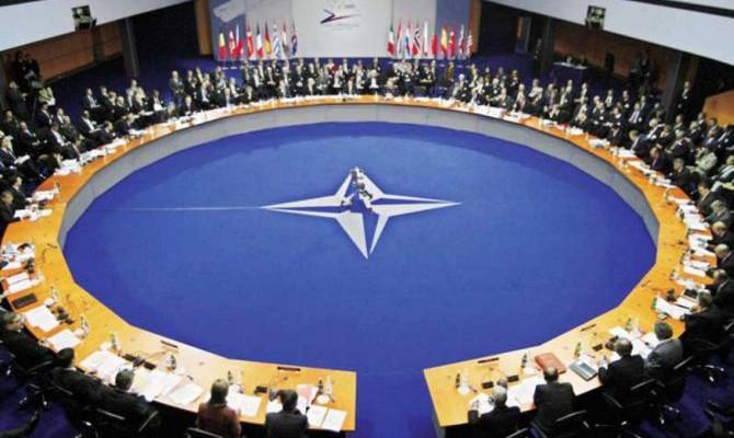 НАТО ждет увеличения своих военных расходов на $8 млрд втечении следующего года