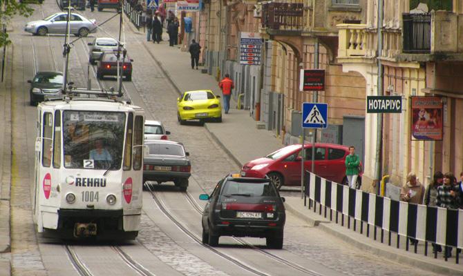 Львов вводит платный въезд для автомобилей в центр города