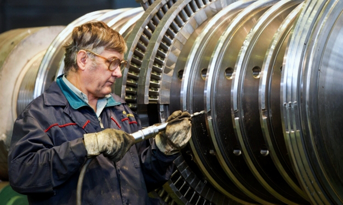 Промышленное производство уменьшилось всравнении смаем