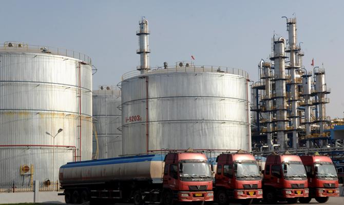 Нефть дешевеет из-за американской статистики, Саудовской Аравии