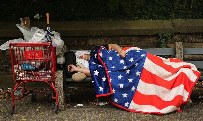 Каждый седьмой американец - банкрот