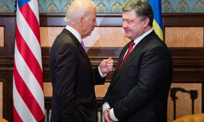США призвали Петра Порошенко избегать эскалации напряженности сРФ