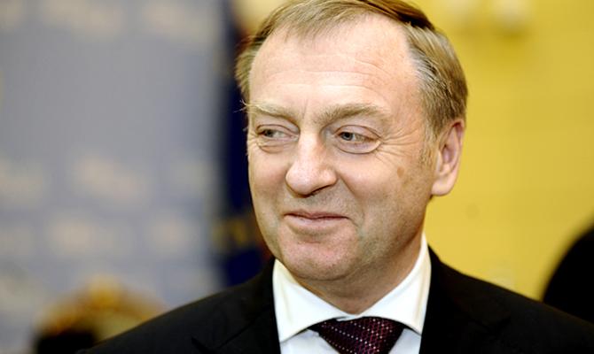 Следователи ГПУ вручили подозрение Лавриновичу о трате 8,5 млн