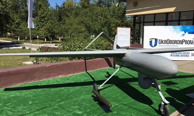 Укроборонпром продемонстрировал новые разработки: мини-БТР имногоцелевой беспилотник