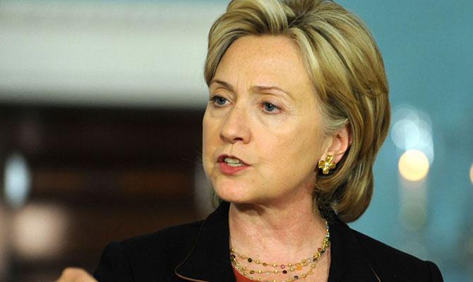 Клинтон уверена, что Путин желает воздействовать навыборы президента США