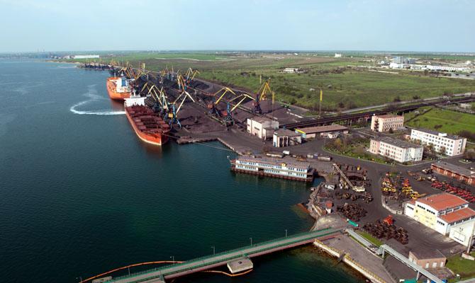 ЕБРР утвердил кредит настроительство терминала впорту «Южный»