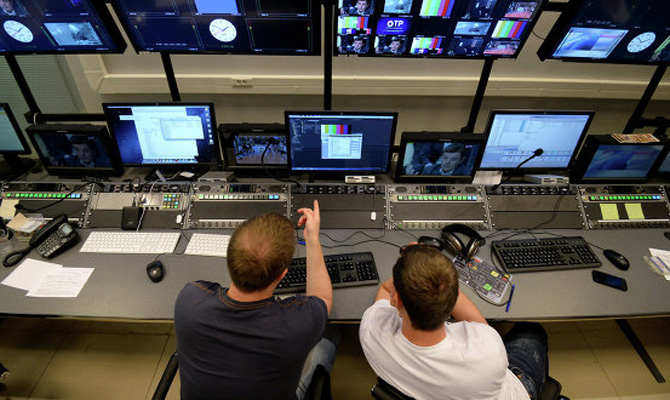 Порошенко подписал закон осокращении русских программ втеле ирадиоэфире