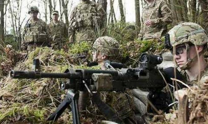 Муженко: Два батальона ВСУ уже оборудованы техникой для ведения военных действий ночью