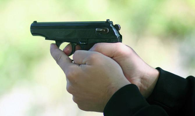 ВХарькове полицейский стрелял в правонарушителей