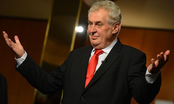 Президент Чехии предлагает посылать финансовых мигрантов вАфрику