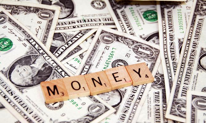 Приток гривневых депозитов вырос на3,5 млрд