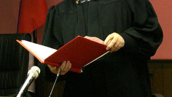 ВХарькове судья выпрыгнул изокна шестого этажа