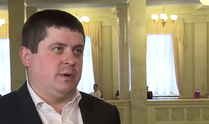 Депутат от НФ Бурбак задекларировал 2,5 млн гривен и $30 тыс. жены