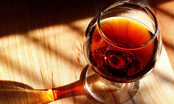 Кутовой: Вукраинском коньяке должно быть поменьшей мере 15% отечественного спирта