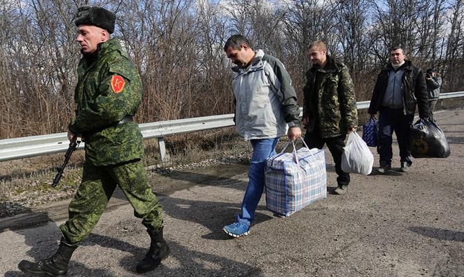 Боевики захватили луганского судью, приехавшего напохороны отца в«ЛНР»