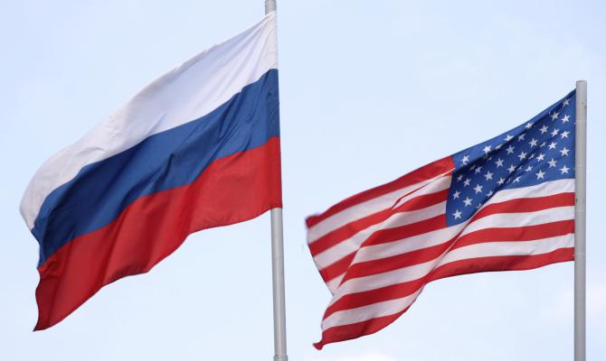 Порошенко иБайден обсудили сохранение санкций противРФ