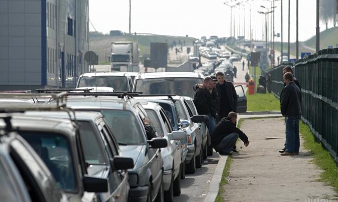 Награнице сПольшей застряли 860 авто