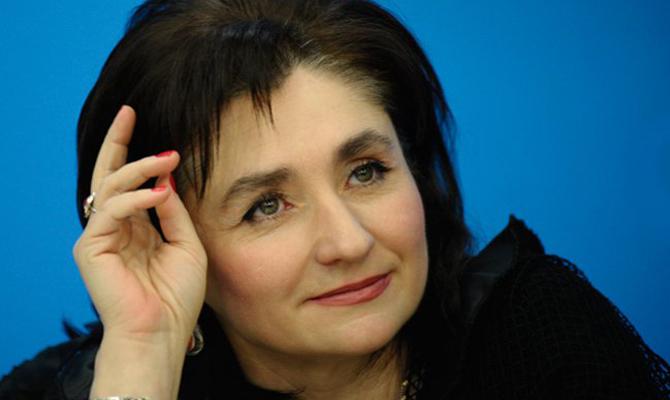 Депутат Матиос задекларировала норковую шубу и $14 тысяч наличными