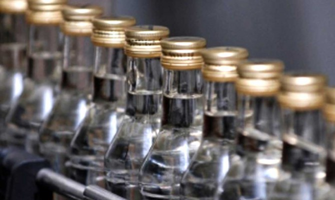 Кабмин значительно увеличил минимальные цены на спиртные напитки