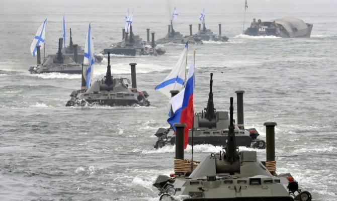 Янукович: решение о«референдуме» вКрыму было принято под воздействием русских военных