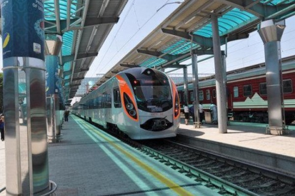 Пассажиры могут пожаловаться насервис Укрзализныци онлайн