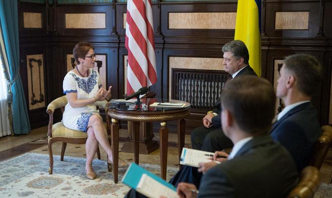 Посол США похвалила правительство Украины заповышение коммунальных тарифов