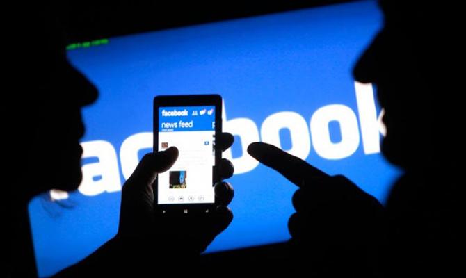 Социальная сеть Facebook начала борьбу снедостоверной информацией