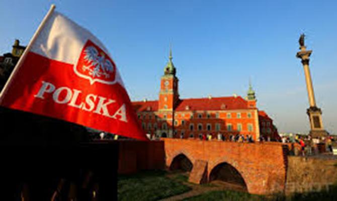 Руководитель МВД Польши объявил, что оппозиция пробовала нелегально захватить власть