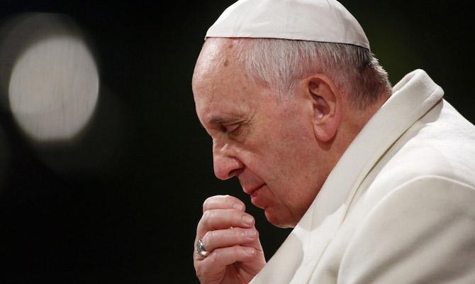 Папа римский врождественском послании призвал остановить войну вСирии