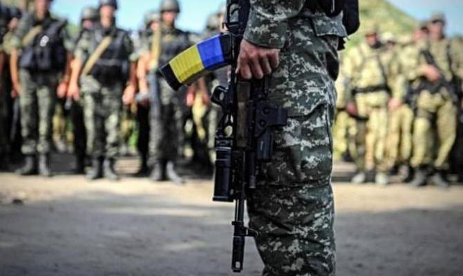 Украина перейдет наконтрактную армию до 2020г.