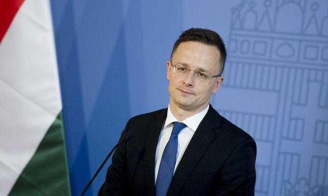 Руководитель МИД Венгрии: СанкцииЕС против РФ бесполезные