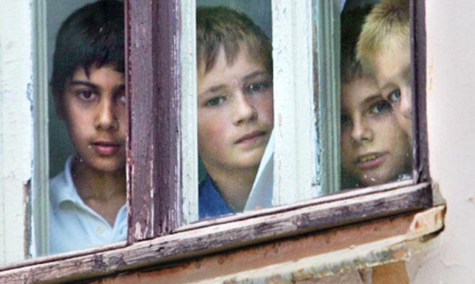 В украинских интернатах на лечение одного ребенка предусмотрена 1 гривна в день, - Кулеба