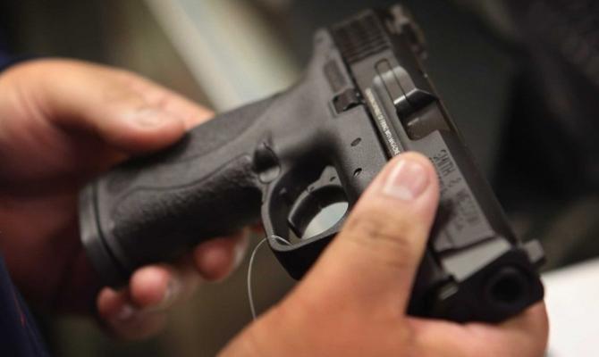 Вгосударстве Украина неменее млн. гражданских лиц обладают оружием— Аваков