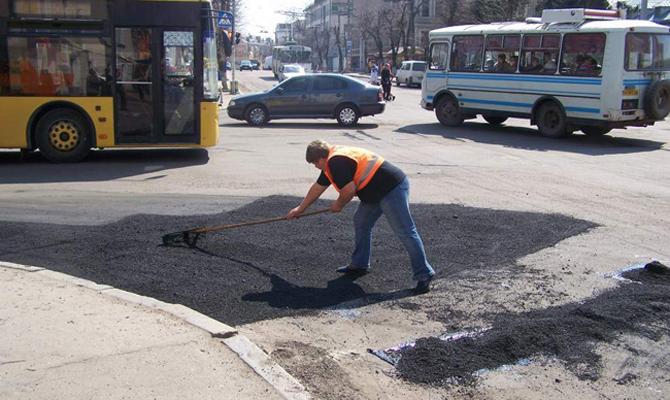 Летом вКиеве начнут капремонт Воздухофлотского проспекта иНабережного шоссе