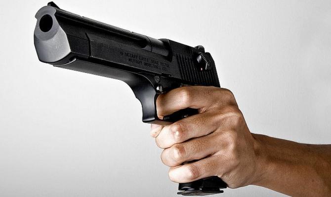 Полиция опубликовала фоторобот иприметы мужчины, который захватил маршрутку вКиеве