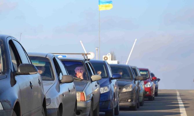 ГПСУ: НаКПВВ взоне АТО сформировалась очередь из750 авто