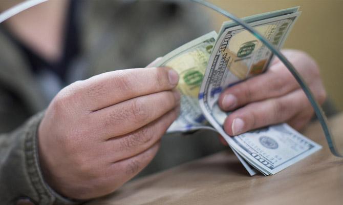 НБУ планирует разрешить физлицам покупать валюту на150 тыс. грн/день
